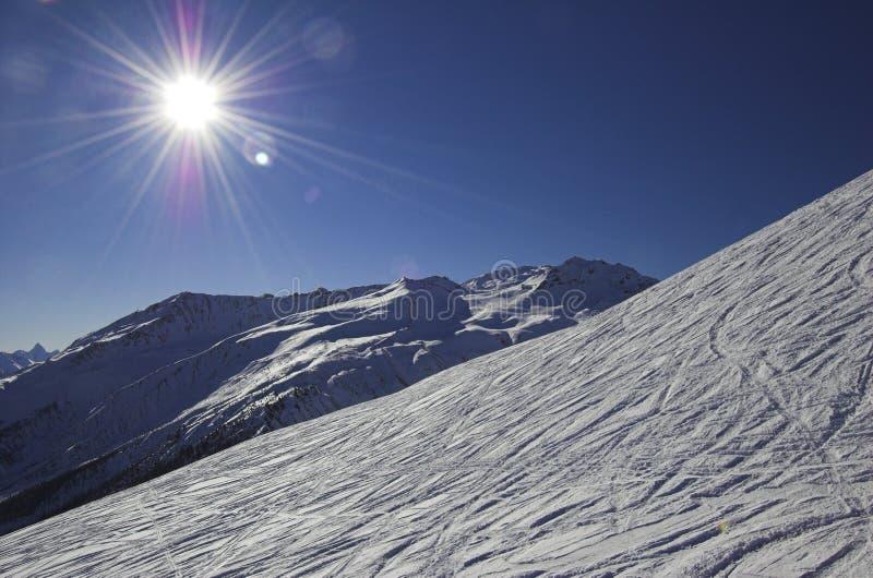 alps som skidar switzerland fotografering för bildbyråer