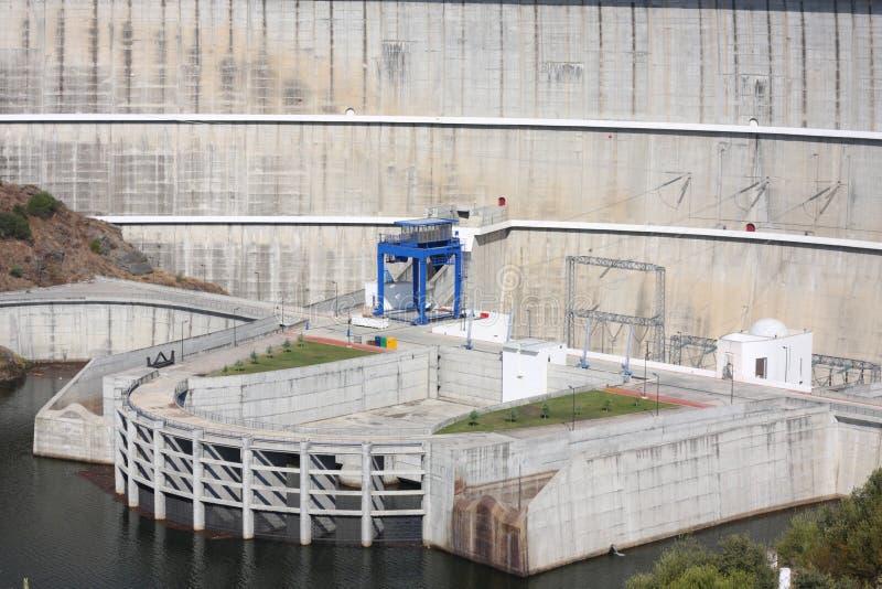 alqueva水坝详细资料 库存图片