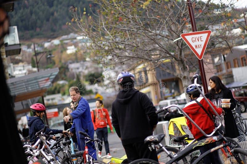 Alquile una bicicleta imágenes de archivo libres de regalías
