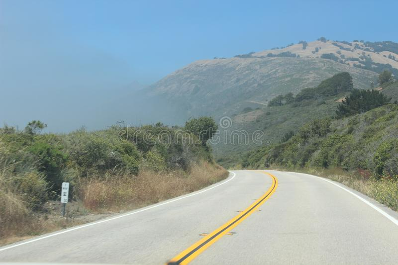 Alrededor de la curva en California foto de archivo libre de regalías