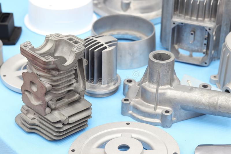 als deel van het de matrijzenafgietsel van het gietvormaluminium stock afbeeldingen