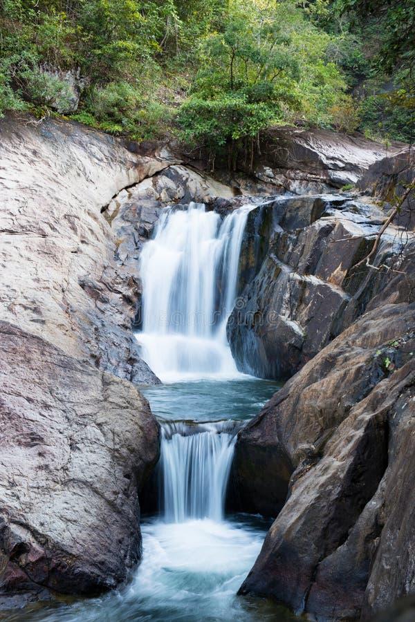 Als Mayom-Wasserfall lizenzfreie stockbilder