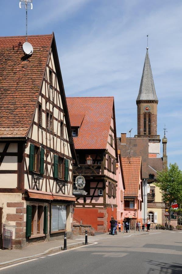 Alsace, le village de Kintzheim en Bas Rhin images libres de droits