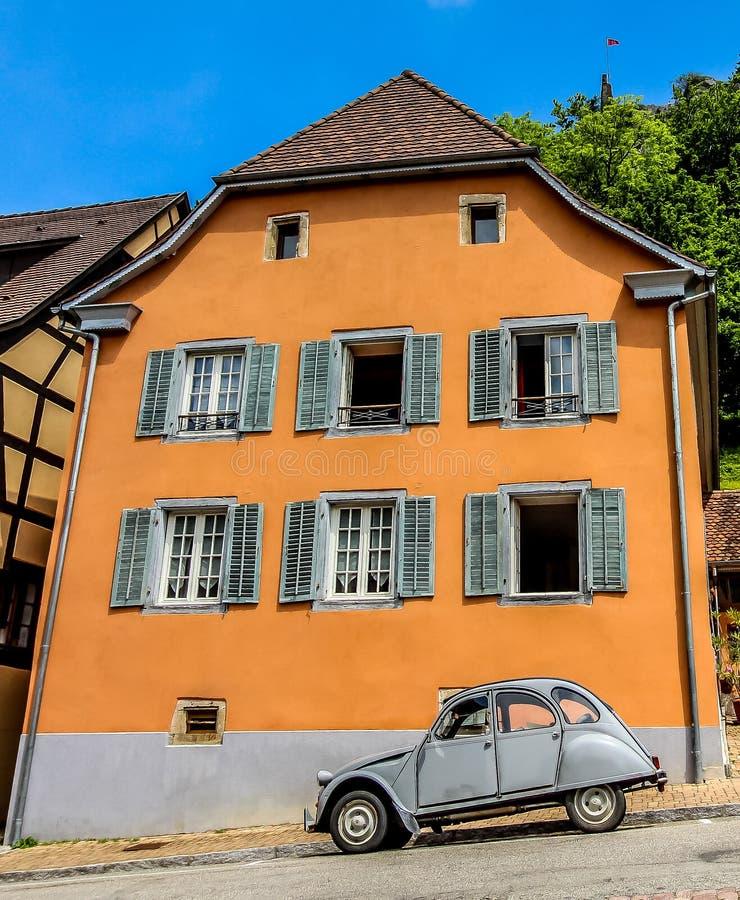 Alsace Lorraine Ferrette France & Citroen 2CV arkivfoton