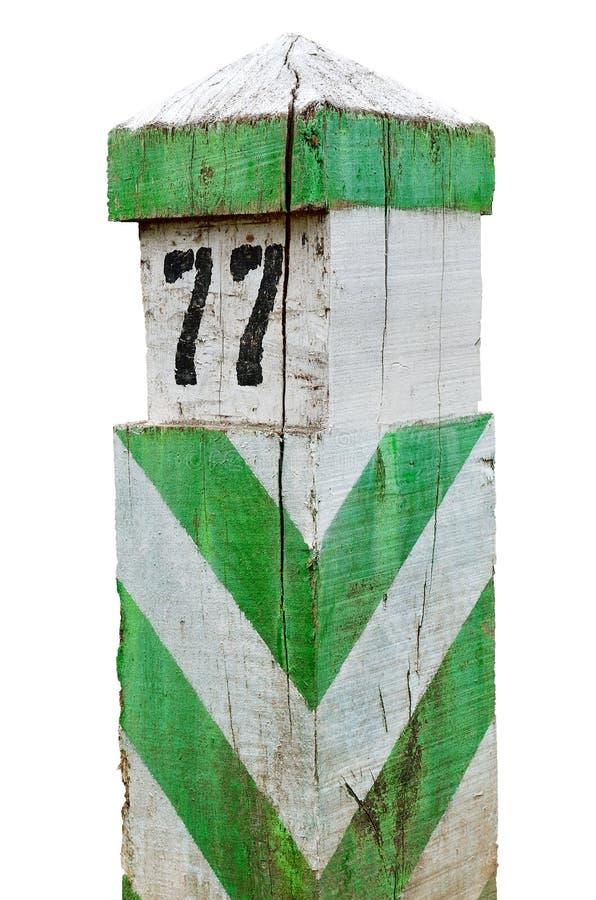 Alt, hölzern, Abgrenzung, Grenzzeichen lokalisiert auf weißem Hintergrund lizenzfreies stockbild
