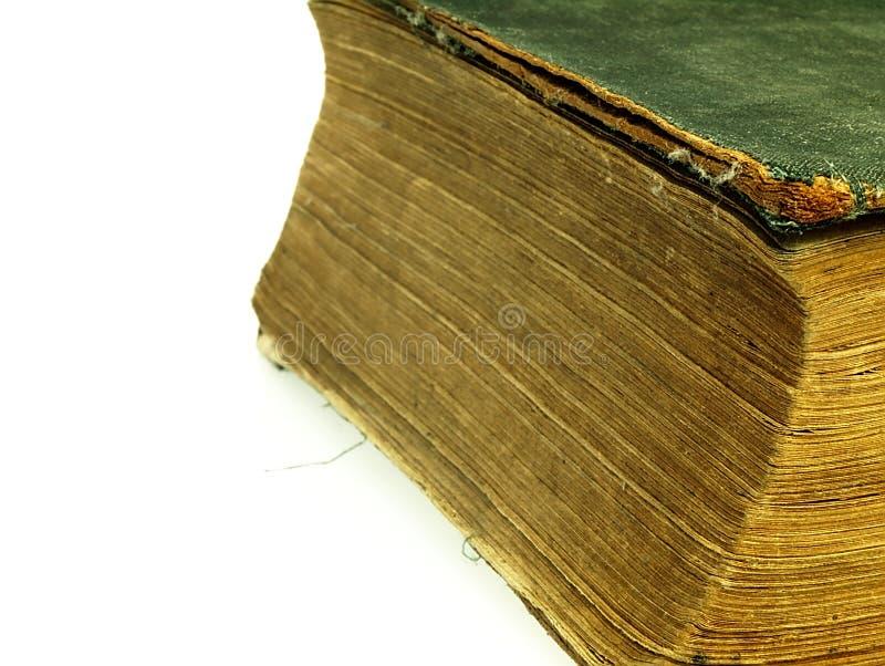 Alt schloss das Buch mit einer geschädigten Abdeckung stockbilder