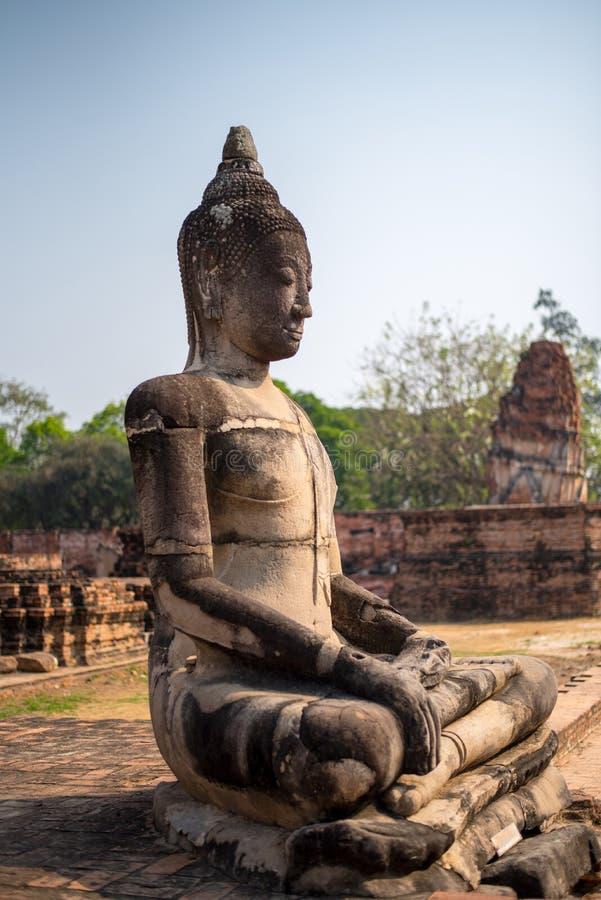 Alt von Buddha in bluesky lizenzfreies stockfoto