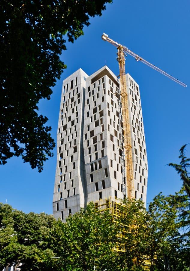 Alta construcción de la subida, Tirana, Albania fotografía de archivo libre de regalías