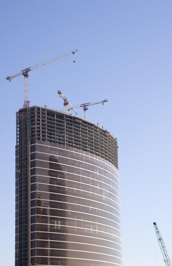Alta construcción del hotel de la subida foto de archivo libre de regalías