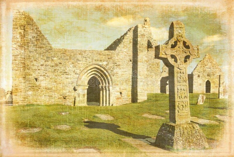 Alta cruz de las escrituras Clonmacnoise irlanda ilustración del vector