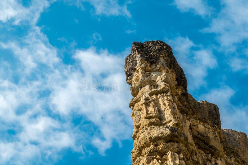Alta montagna rocciosa al parco nazionale di Pha Chor, Tailandia fotografia stock libera da diritti