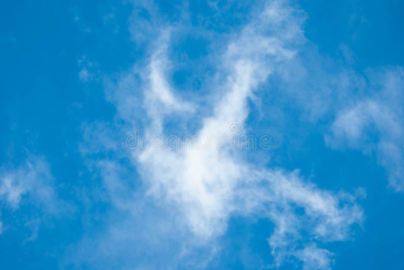 Alta nube fotografie stock libere da diritti