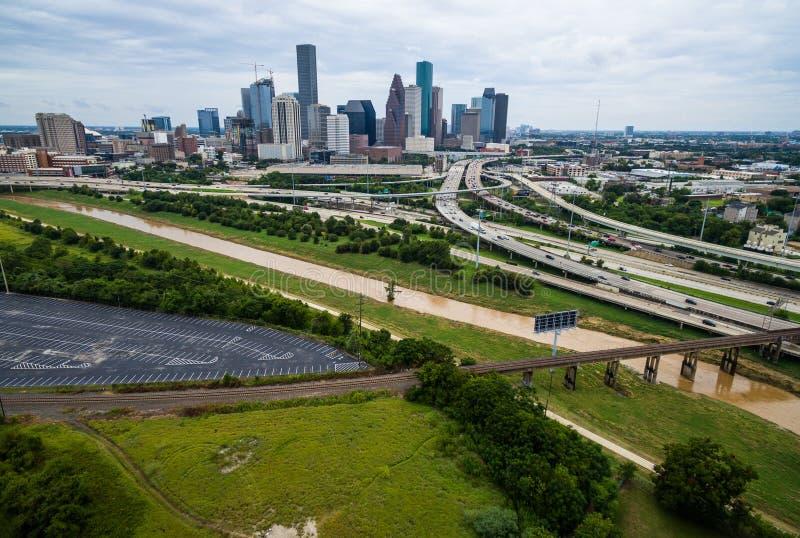 Alta opinión aérea del abejón sobre Houston Texas Buffalo Bayou River fotos de archivo