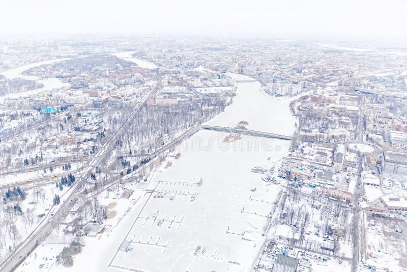 Alta opinión panorámica aérea dominante de la ciudad del invierno en St Petersburg, Rusia foto de archivo