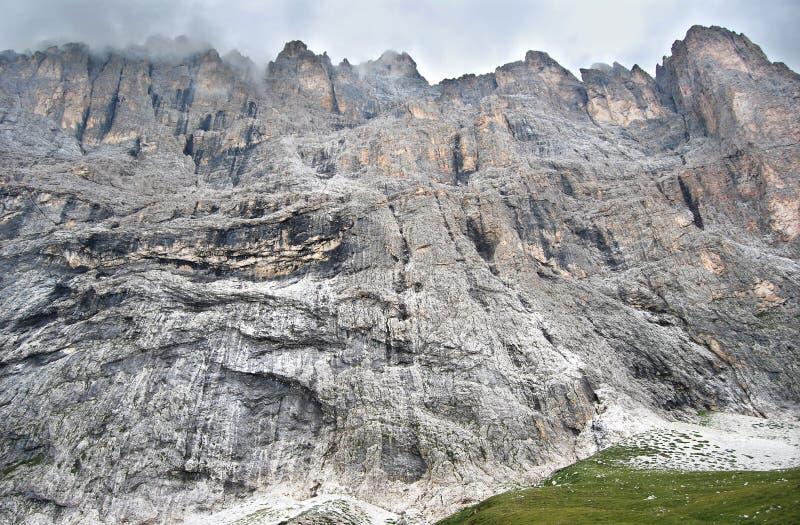 Alta parete rocciosa fotografia stock libera da diritti