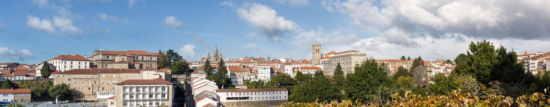 Alta resolución ultra amplia de la opinión panorámica de Santiago de Compostela fotografía de archivo libre de regalías