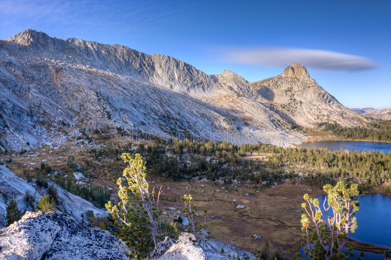 Alta sierra picos imagen de archivo