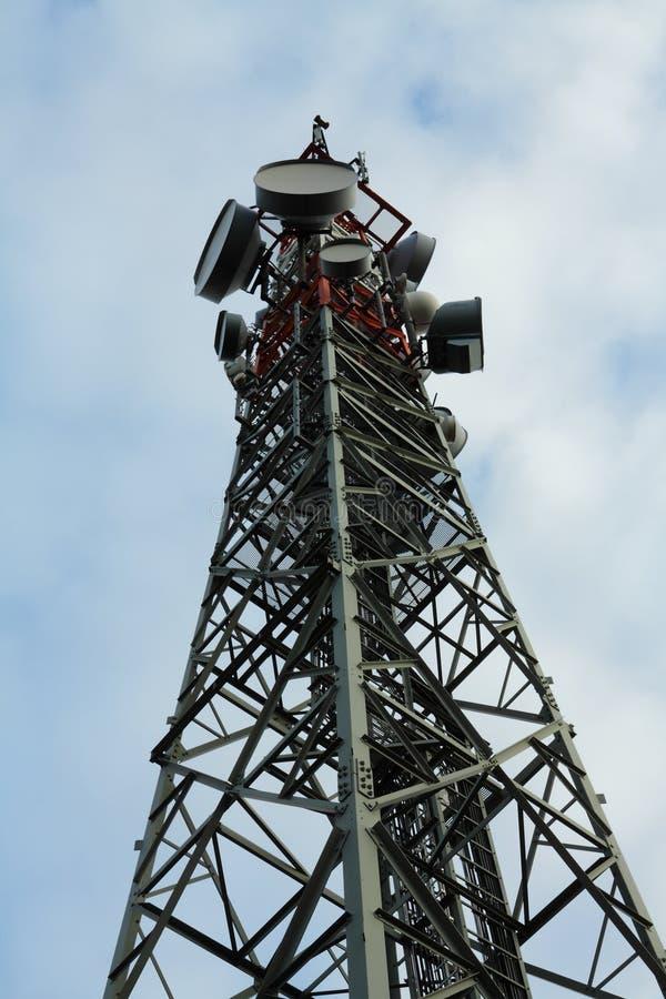 Alta torre cellulare immagine stock libera da diritti
