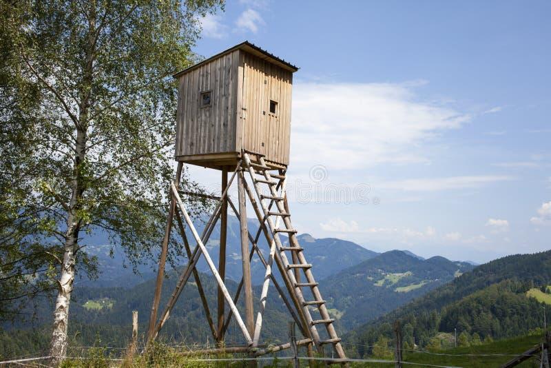 Alta torre de los cazadores de madera Cazadores alto Seat fotos de archivo