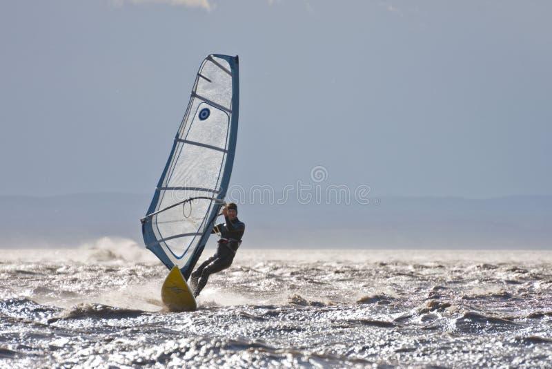 Alta velocidade do windsurfe imagens de stock royalty free