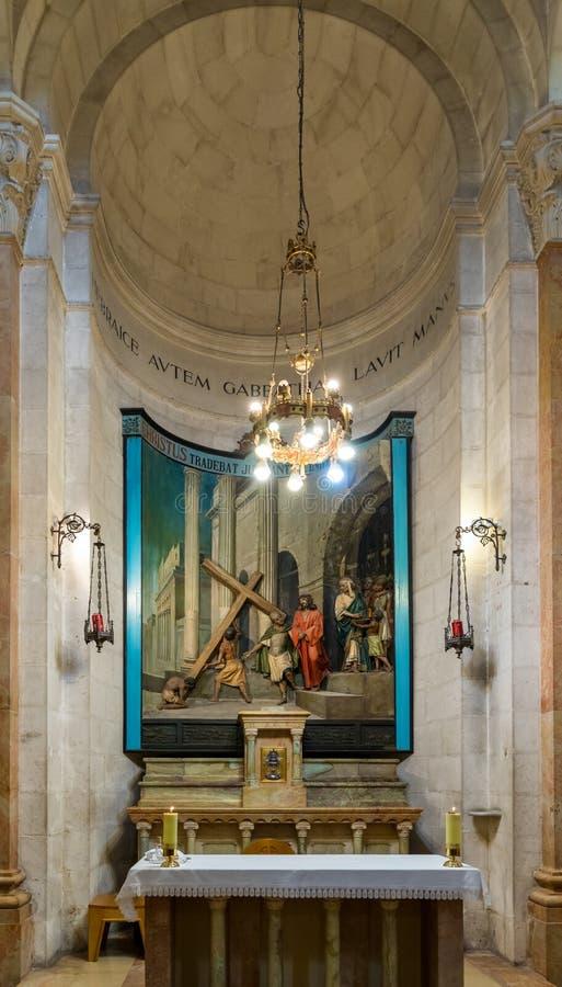 Altaar in Kerk van de Veroordeling en de Heffing van het Kruis dichtbij Lion Gate in Jeruzalem, Israël royalty-vrije stock afbeeldingen