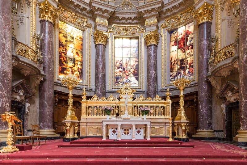 Altaar van Berliner Dom, grootste protestantse kerk o royalty-vrije stock foto's