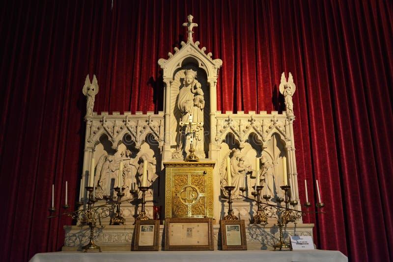 Altaar van Onze Dame van Rosenkranz in kerk Heilige Walburga royalty-vrije stock afbeeldingen