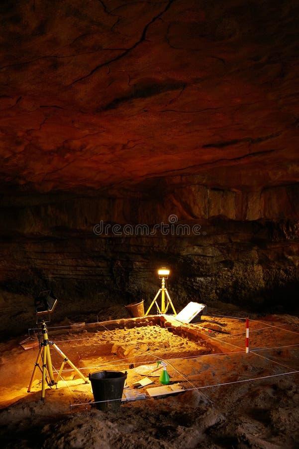 ALTAMIRA, CANTABRIA, ESPAÑA, EL 29 DE JULIO DE 2018: Vista interior de la cueva del museo de Altamira fotos de archivo