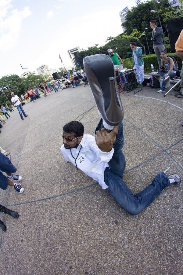 Altamira, Miranda State, Caracas, Venezuela 29/07/2012 I tacchi alti corrono sul quadrato di Altamira immagine stock libera da diritti