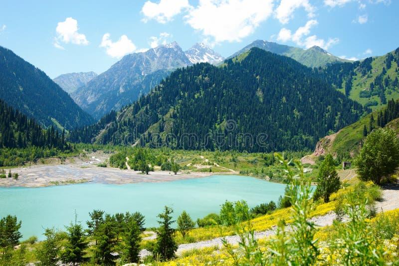 altany jeziora góra fotografia royalty free