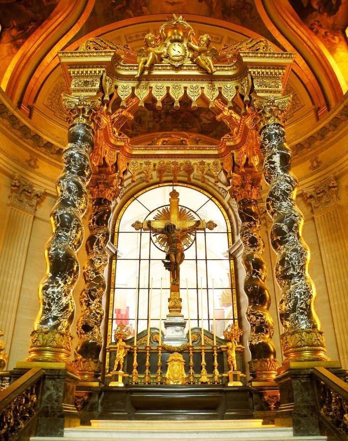 Altar alto, Eglise du Abóbada, Paris imagens de stock