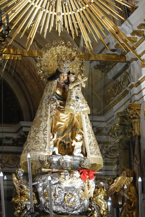 Altar de Basílica de Virgin de los Desamparados em Valência na Espanha fotos de stock royalty free