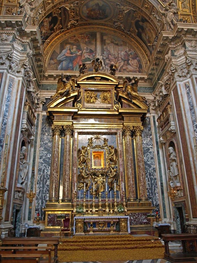 Altar de la iglesia fotos de archivo libres de regalías