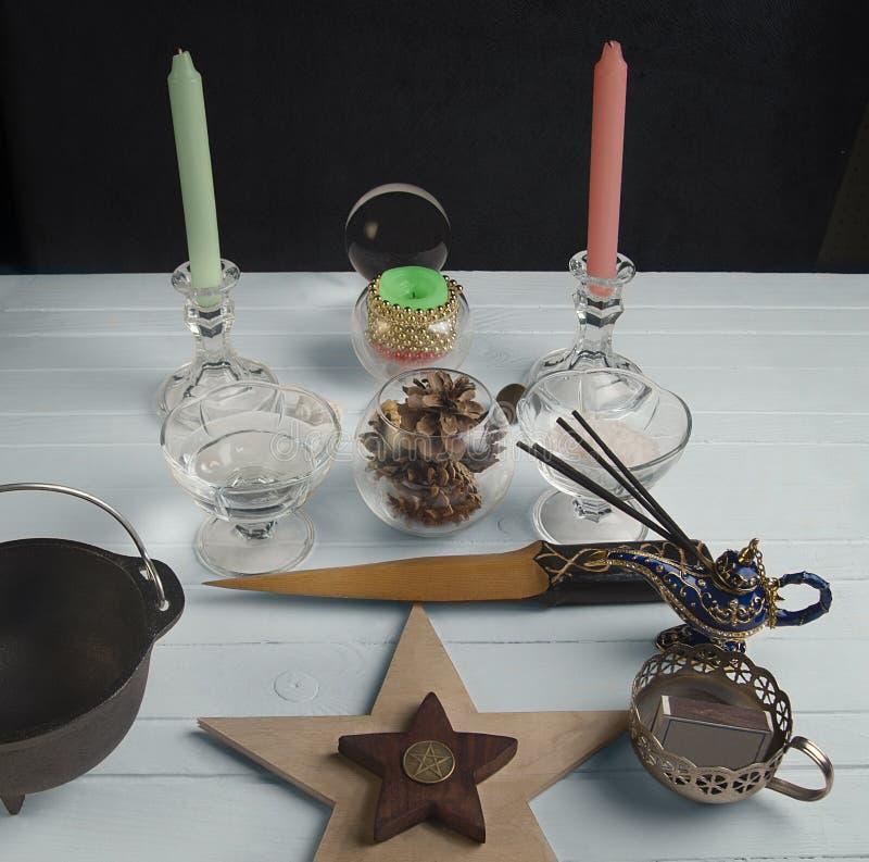 Altar de Wiccan para Yule fotografía de archivo libre de regalías