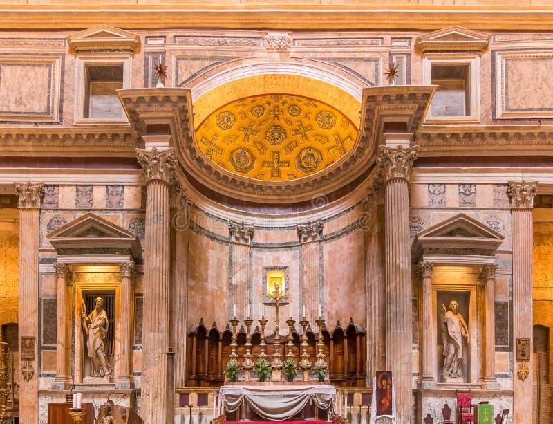Altar des Pantheons in Rom Italien stockbilder
