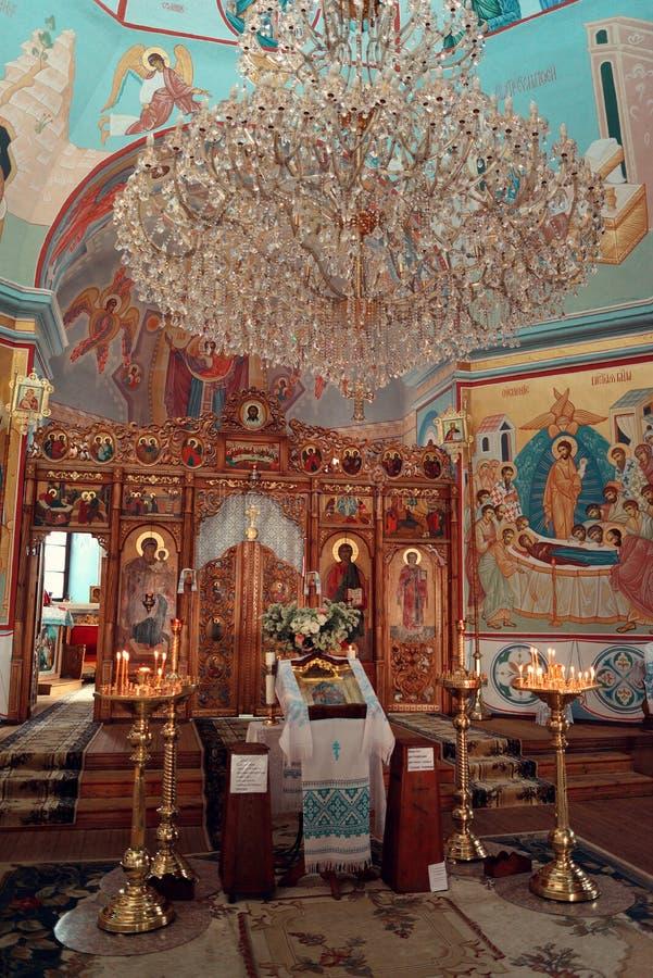 Altar en el templo imagenes de archivo