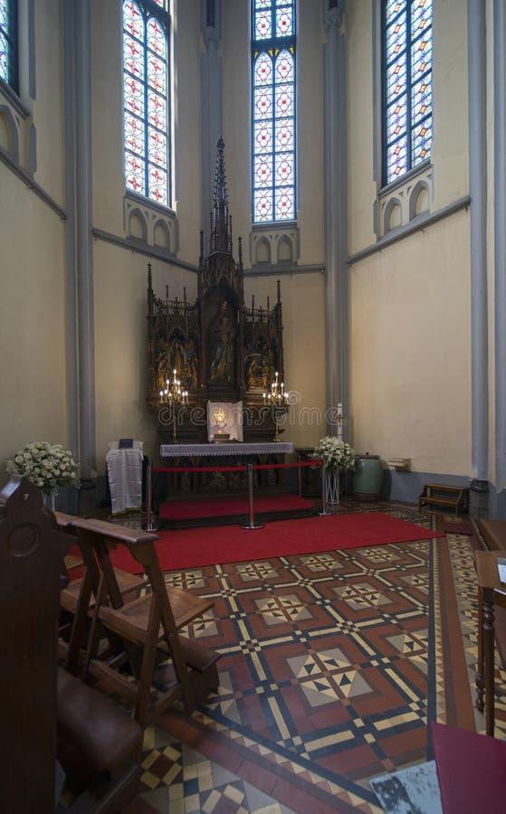 Altar hermoso de la iglesia de la catedral imágenes de archivo libres de regalías