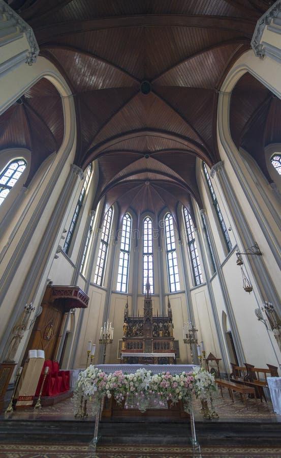 Altar hermoso de Roman Catholic Cathedral imágenes de archivo libres de regalías