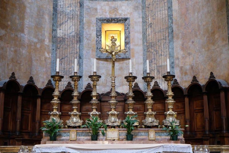 Altar im Pantheon, Rom lizenzfreie stockbilder