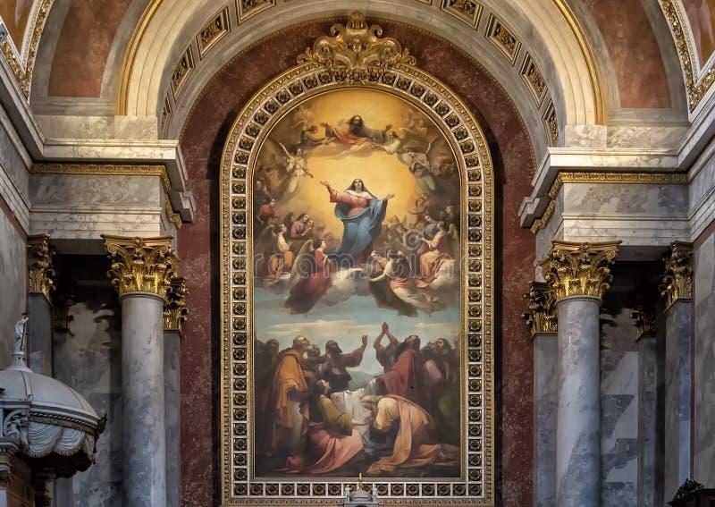 Altar maggiore della basilica di Esztergom, Esztergorm, Ungheria fotografia stock libera da diritti