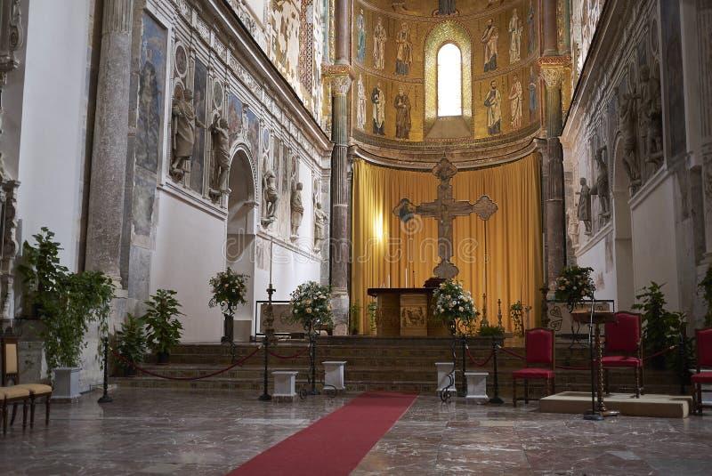 Altar maggiore della cattedrale fotografie stock