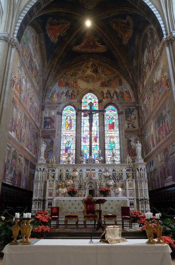 Altar maggiore nella chiesa di Santa Maria Novella a Firenze immagini stock libere da diritti