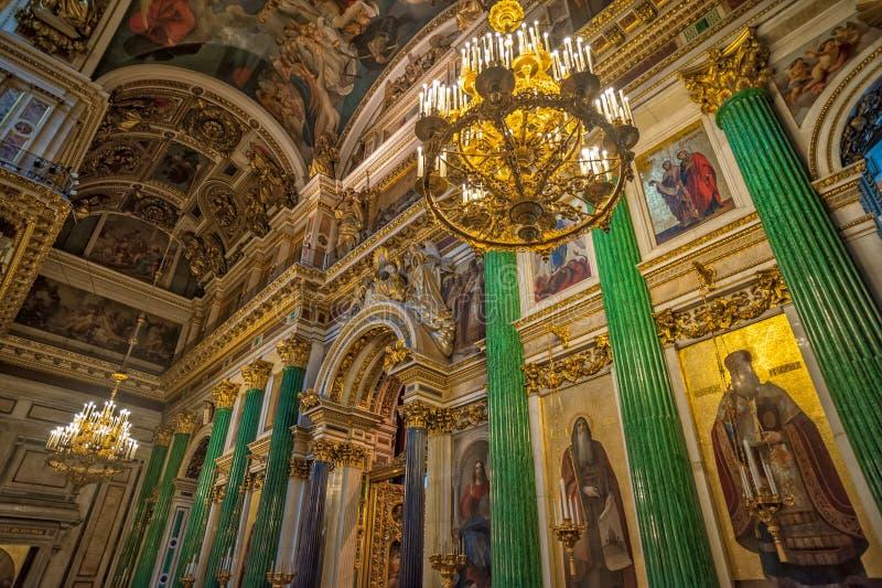 Altar na catedral de Isaac de Saint St Petersburg, Rússia fotografia de stock