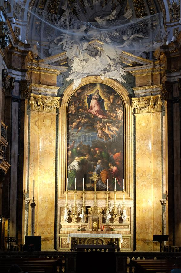 Altar na igreja de St Louis do francês, Roma fotografia de stock royalty free