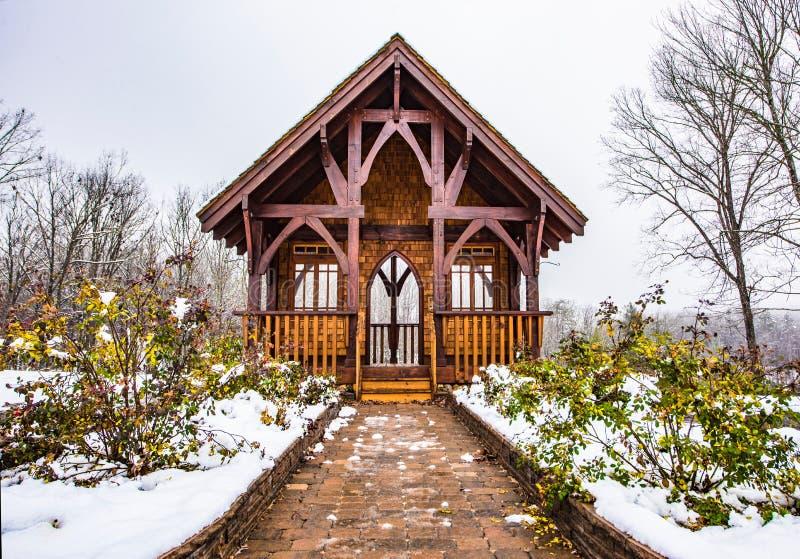 Altar nevado no parque estadual da rocha da tabela perto da música de natal sul de Greenville fotos de stock royalty free