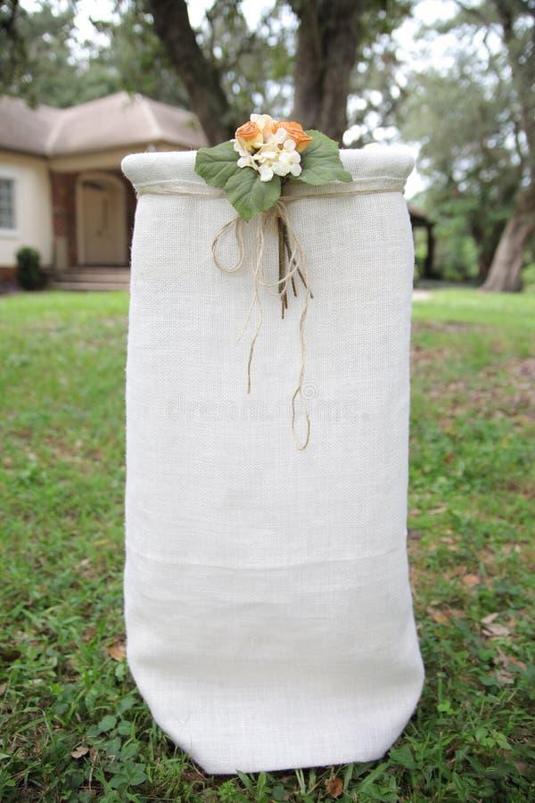 Altar para la boda al aire libre imagenes de archivo