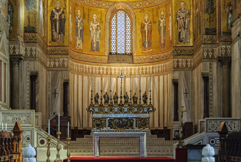 Altar principal da catedral - Monreale imagens de stock royalty free