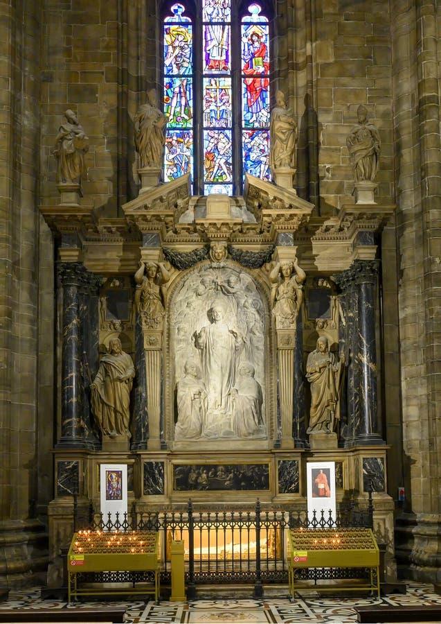 Altar sagrado del corazón dentro de Milan Cathedral, la iglesia de la catedral de Milán, Lombardía, Italia imágenes de archivo libres de regalías