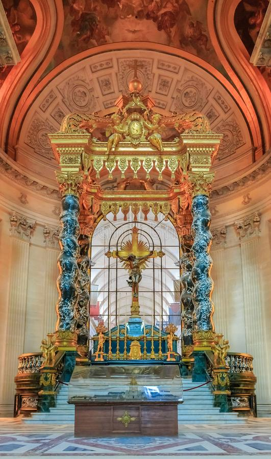 Altar in Saint Louis Cathedral of Les Invalides in Paris France, burial site for France`s war heroes and Napoleon Bonaparte`s tomb stock images