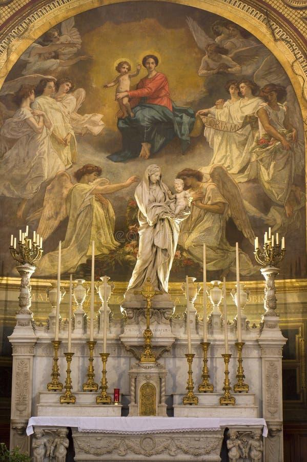 Altar santamente de mary da igreja de Paris foto de stock royalty free